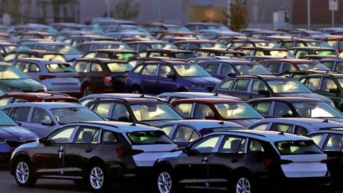Ventas de autos en México cayeron 28% en 2020