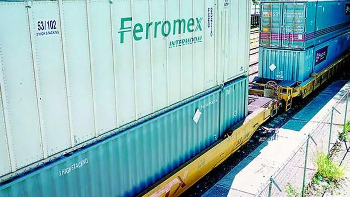 Censura Caintra servicio de ferrocarriles