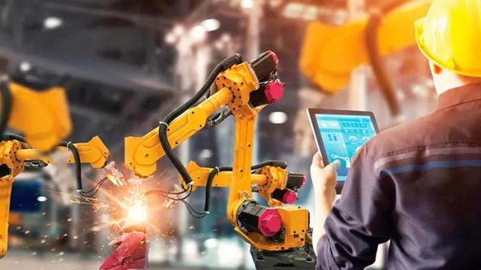 Comercio y construcción registran mayores aperturas de empresas en NL