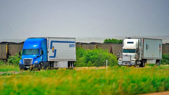 As US truck capacity stays tight, rising demand and costs push up rates