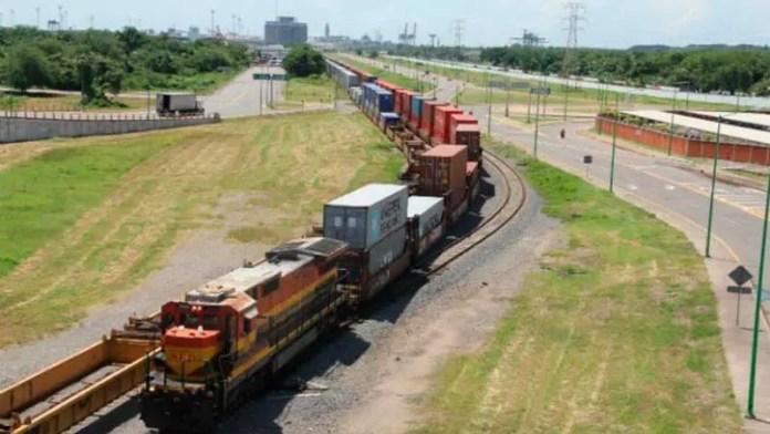 Participación ferroviaria en Puerto Lázaro Cárdenas baja por bloqueos