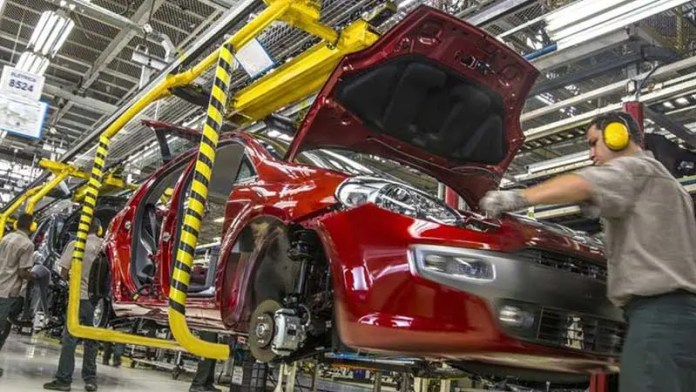 Ajustan las reglas de origen en el sector automotriz