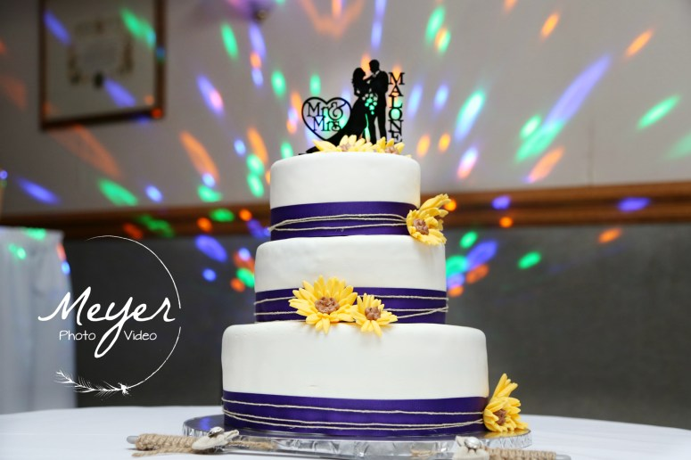 wedding cake colorful sunflower