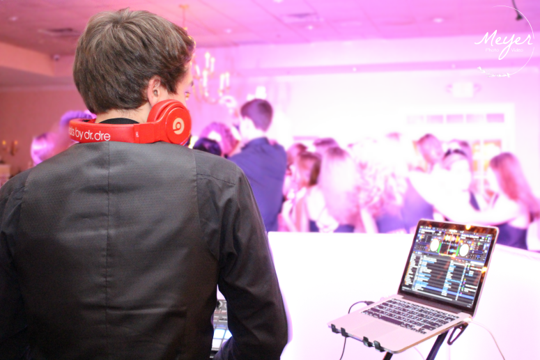 dr dre headphones at sweet 16 sea oaks country club
