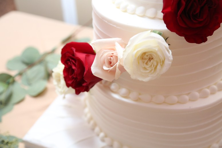 flower details on the cake