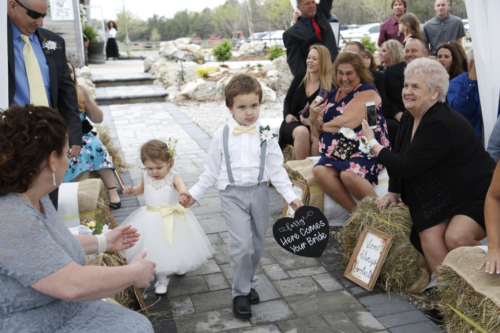 children at a wedding in New Jersey