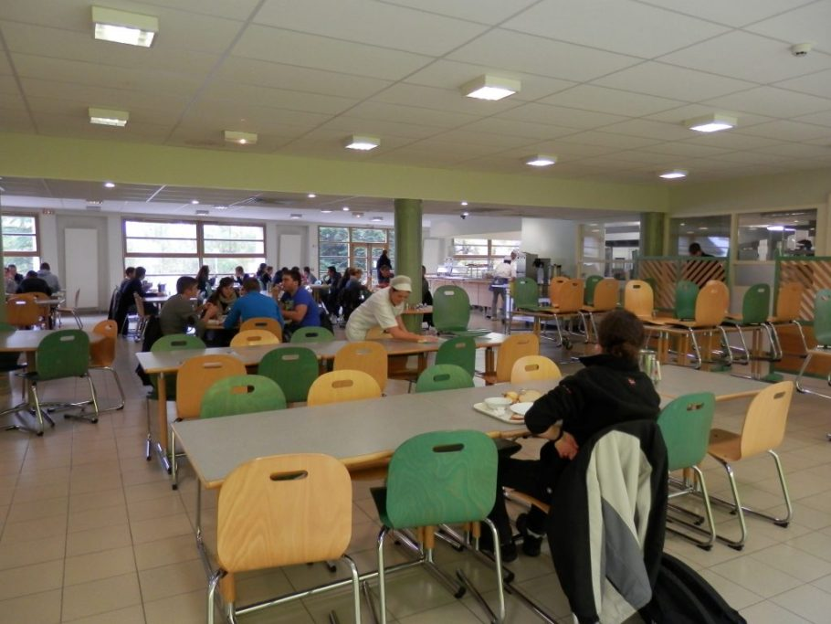ecole forestiere de Meyac restaurant scolaire 3