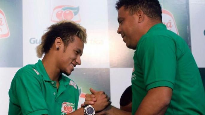 Ronaldo de Lima and Neymar.jpg