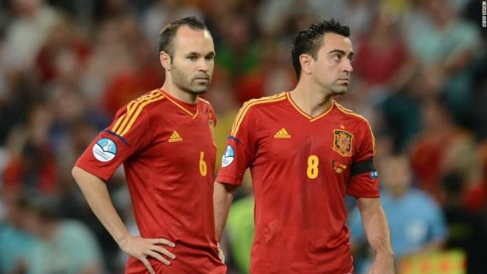 Xavi and Iniesta 2