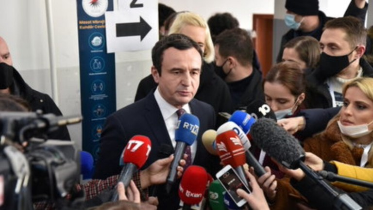 Kosova seçimlerini sol muhalefet kazandı