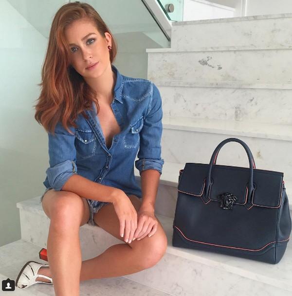 Marina Ruy Barbosa posa com bolsa de quase R$ 10 mil (Foto: Reprodução / Instagram)