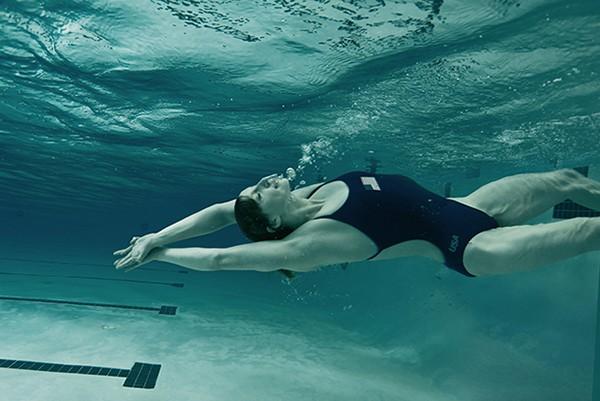 A nadadora Katie Ledecy, em 2016. (Foto: Divulgação: Annie Lebovitz / Women: New Portraits)