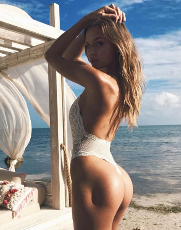 """Josephine Skriver ficou conhecida como a modelo da """"covinha"""" no bumbum (Foto: Reprodução/Instagram)"""