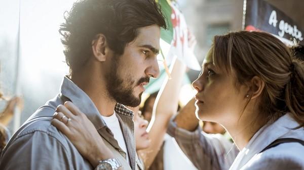 Sophie Charlotte viveu Alice apaixonada por Renato, personagem de Renato Góes (Foto: TV Globo)