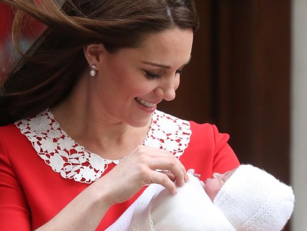 Mamãe e bebê posaram para as câmeras (Foto: Getty Images)
