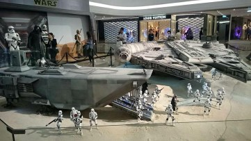 Sixth-Scale-Star-Wars-Drop-Ship-By-Hot-Toys-2