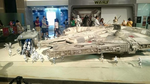 Sixth-Scale-Star-Wars-Drop-Ship-By-Hot-Toys