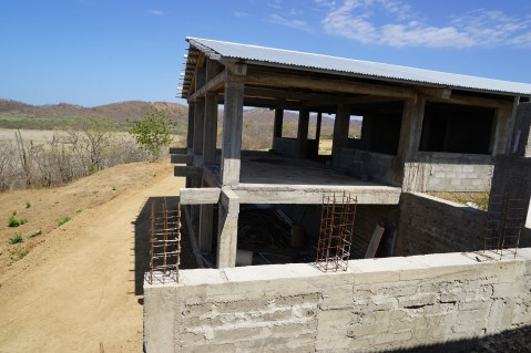 Guasacate House and road 170323