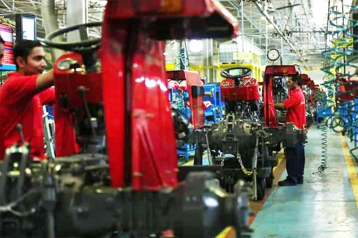 Massey Ferguson Tractor MF-375 Assembling