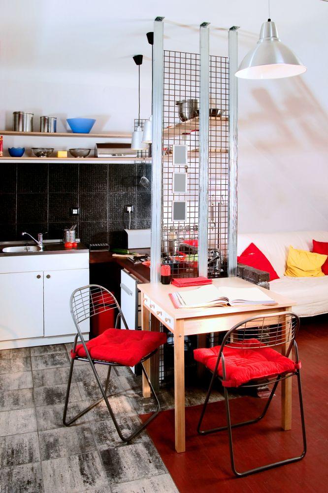 Кухня для сингла – яркая, смелая и с характером.