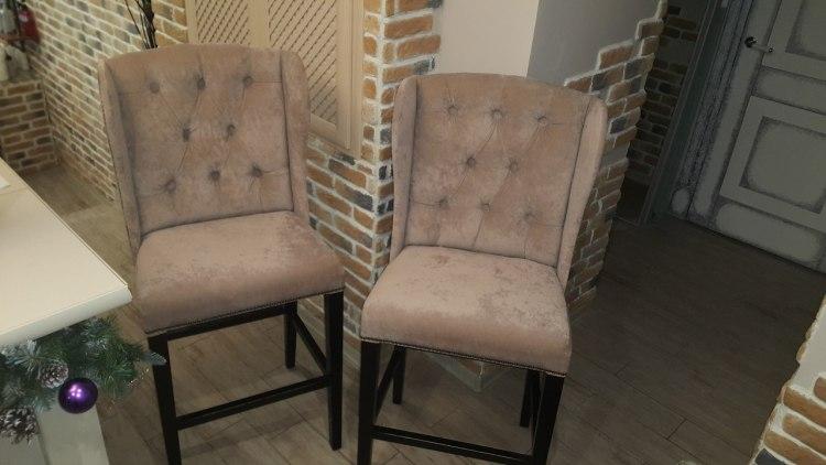 Какие материалы можно использовать при перетяжке стульев