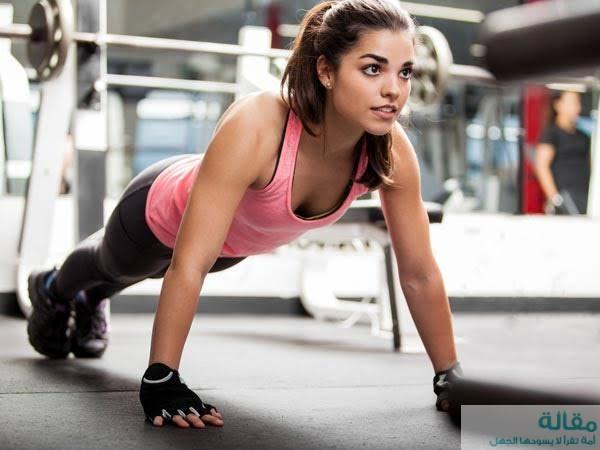 أفضل تمارين الساق والمؤخرة للنساء في المنزل