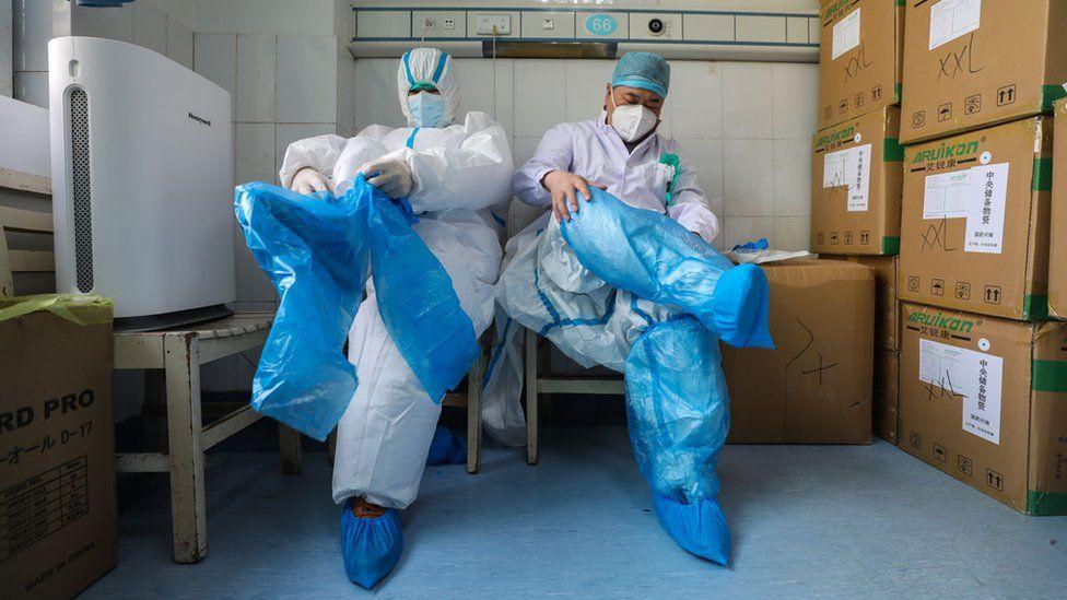 أسباب إصابة بعض الاشخاص بفيروس كورونا