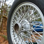 MGB GT wire rim after a quick cleaning job, more detailing needed!