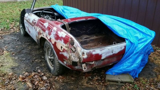 Ratty MGB roadster for sale