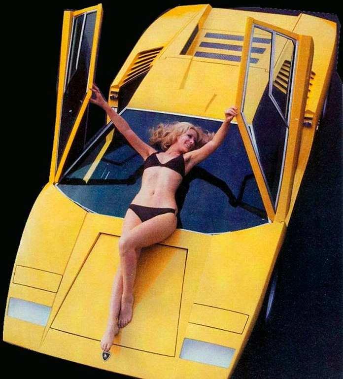 Lamborghini Countach bikini chick