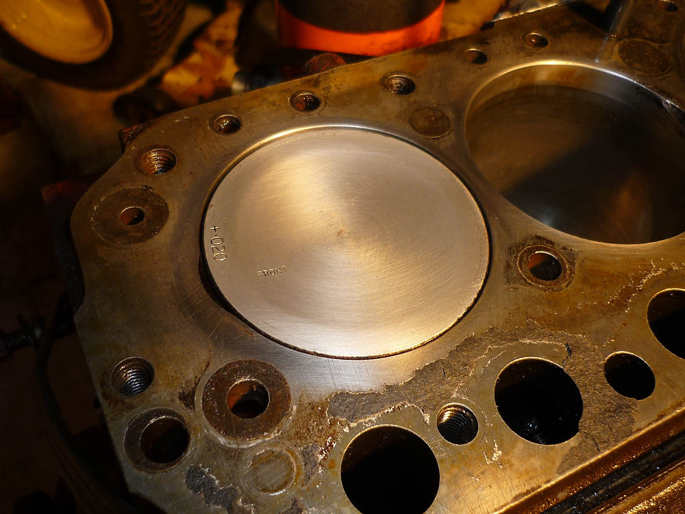 Using Pine Sol to clean carbon off MGB 18V engine pistons