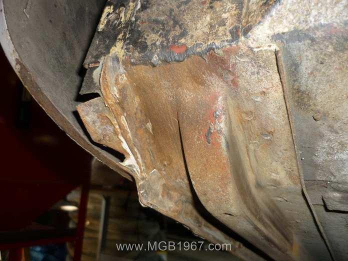 Rusty MGB GT frame rail
