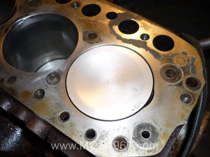 Larger valve cutout in MGB 18V engine block