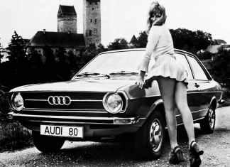 Sexy Audi 80 girl
