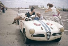 Alfa Romeo driver getting distracted
