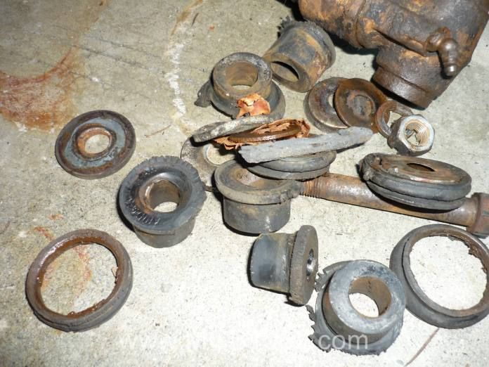 Worn out MGB front suspension bushings