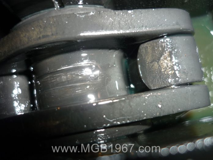 Fine zinc deposits in MGB Armstrong lever shock