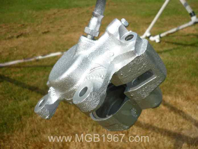 Painting the MGB GT front brake calipers