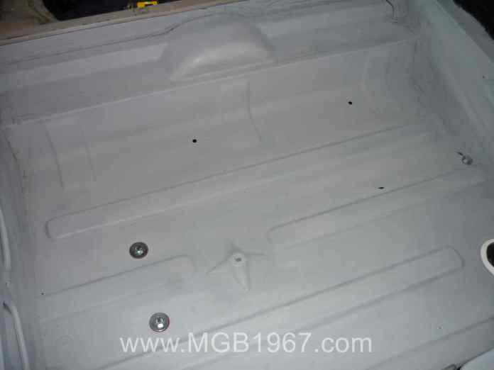 MGB GT trunk with fuel tank installed