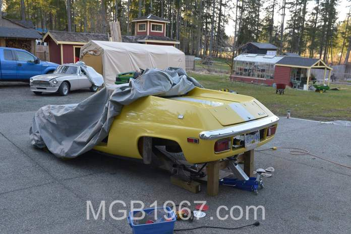 Lotus Europa S2 and MGB GT