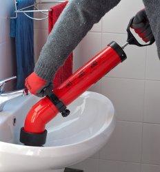 sturatubi a pompa disostruente manuale: esempio di disotturazione lavandino