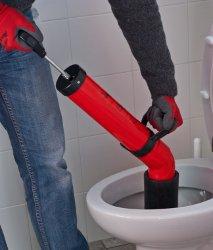 Sturatubi a pompa disostruente: esempio disotturazione WC