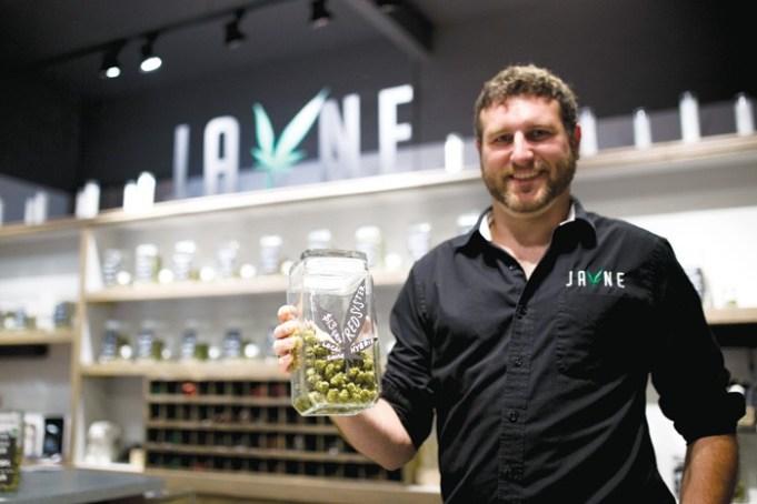 Budtender Aaron Heisler of Jayne Oregon