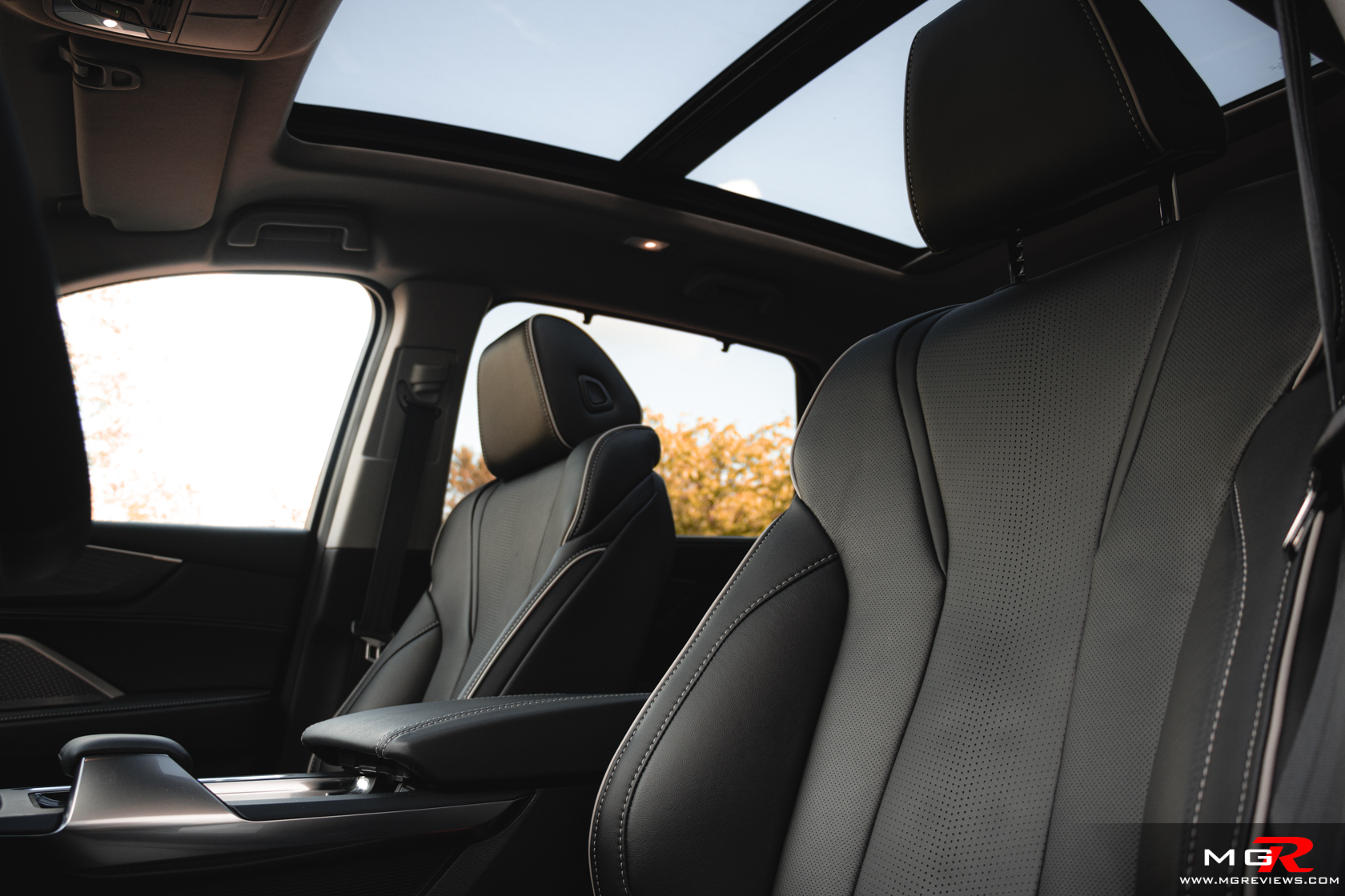 2022 Acura MDX Interior