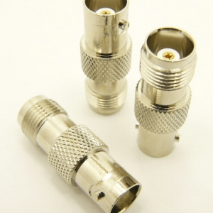 BNC-female / TNC-female Adapter (P/N: 7073)