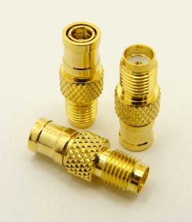 SMA-female / SMB-male Adapter (P/N: 7847)