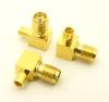 SMA-female / MMCX-female Adapter, Right Angle (P/N: 8203-RA)