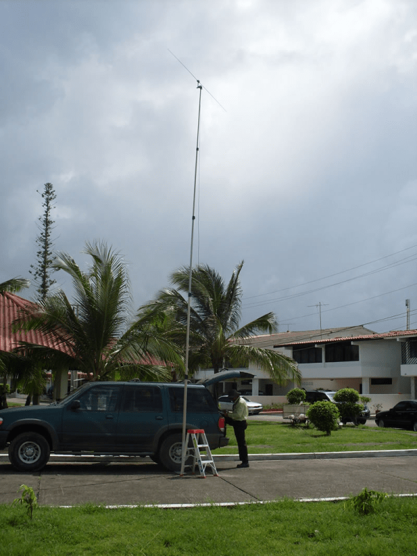 Heavy Duty mast with a Drive on Mount used in a mobile setting for communication purposes