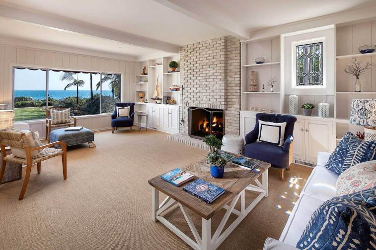leesa-wilson-goldmuntz-beach-house-living-room