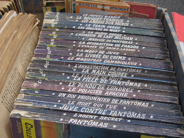 les 24 premiers numéros des Fantômas de Pierre Souvestre et Marcel Allain, édition de 1956 illustrée par Michel Gourdon